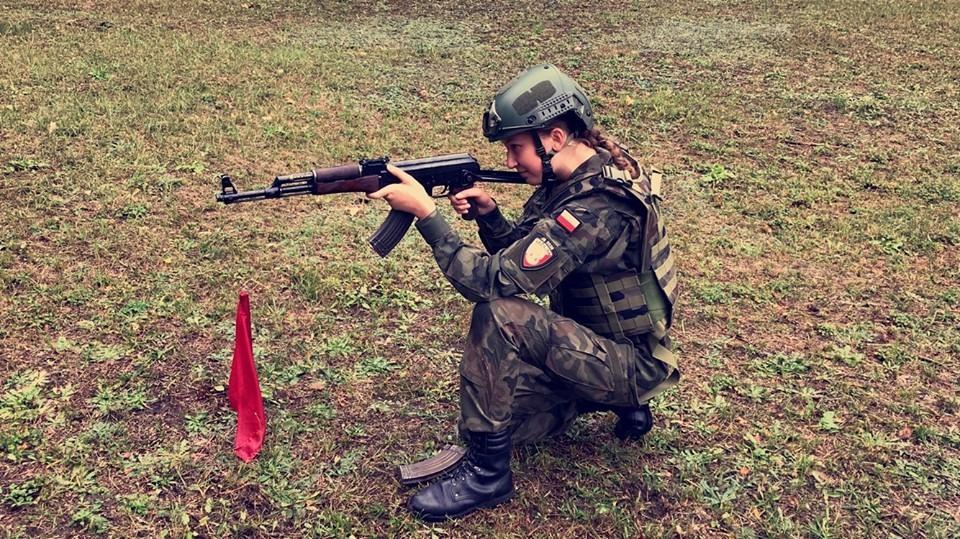 Szkolenie – postawy strzeleckie, strzelanie